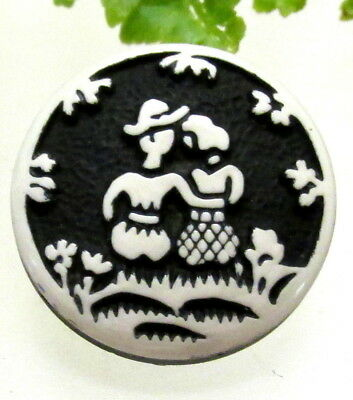 Cute Vtg. Black & White Buffed Celluloid Button W/ Courting Couple Z109