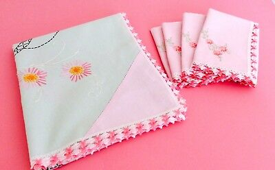 Vintage Luncheon Tablecloth and 4 Napkins - Cottage/Shabby Chic - Pink - Green