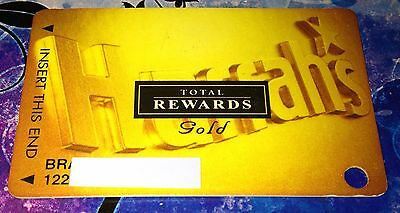 Harrah's Casino Total Rewards Gold Players Club Slot Card Collectible Vegas