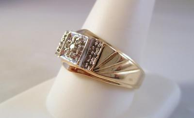 10K Solid Yellow Gold Men's .10ctw Diamond Band Ring  3.3 Grams   Size 10.5