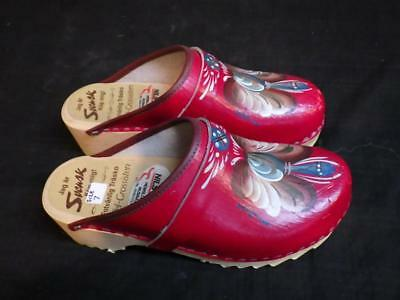 DALATOFFELN Nils Olsson LEATHER WOOD SANDALS SWEDISH FOLK ART RED SHOES SWEDAN
