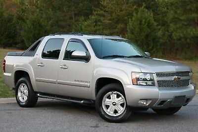 Chevrolet Avalanche 4X4 LT w/2LT Z71 2009 AVALANCHE 2LT,Z71,4X4,ALL PWR,SUNROOF,DVD,27K MI,LIKE NEW IN AND OUT
