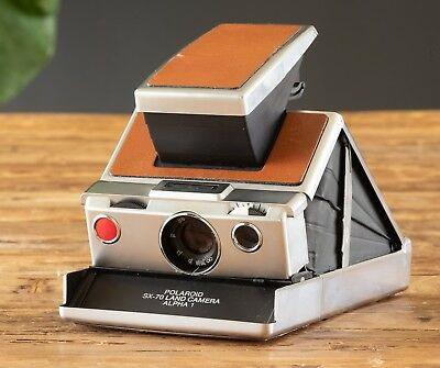 POLAROID SX-70 LAND CAMERA. Brown Leather. Tested. Beautiful!
