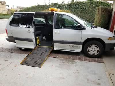 1999 Dodge Grand Caravan SE Wheelchair van