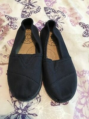 Boys Next Slip On Shoes Size 9 (new)