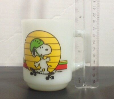Fire King Anchor Hocking Mug Peanuts Snoopy Skateboard Its Great to be an Expert