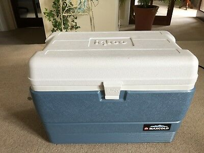 a3123e37bff IGLOO MAXCOLD 50 Cool Box 47.3L Capacity. Keeps ice for 5 days ...