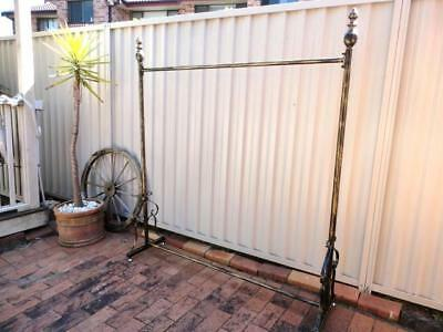 Quality Decorative Iron Clothes Rack Rail Display Home Fashion Shop DRS003-BRS