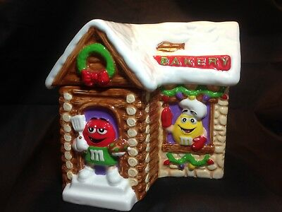 Galerie M&M Bakery Cookie Jar - Log Cabin Winter Christmas Candy