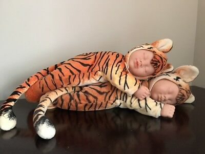 "Lot 2 ANNE GEDDES SLEEPING BABY DOLLs IN TIGER SUIT 17"" Twins Babies Plush Toy"