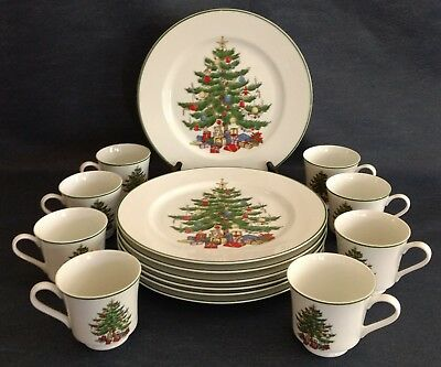 Sone Fine China ~ Japan ~ Set of 8 ~ CHRISTMAS TREE DINNER PLATES and CUPS