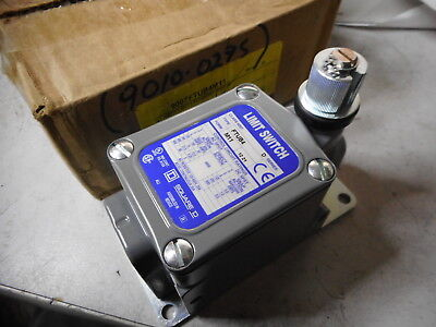 Square D -- Schneider -- Heavy Duty Foundry Limit Switch --  9007Ftub4M11