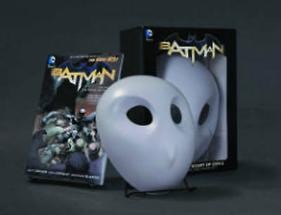 Batman: The Court of Owls Mask and Book Set (The New 52), Snyder, Scott