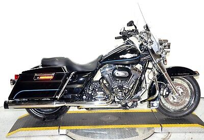 2010 Harley-Davidson Touring  2010 Harley Davidson Road King FLHR Chrome Front End Rineharts Many Upgrades!