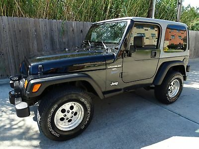 Jeep Wrangler Sport 1998 JEEP Wrangler Sport 2dr 4x4 4.0L I6 Engine Clean Interior and Cold A/C