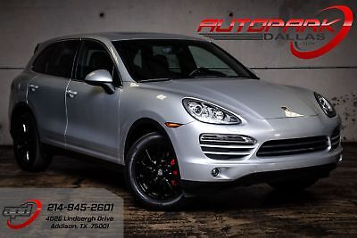 2011 Porsche Cayenne  Gloss Black wheels, RED calipers, Clean! We Finance!