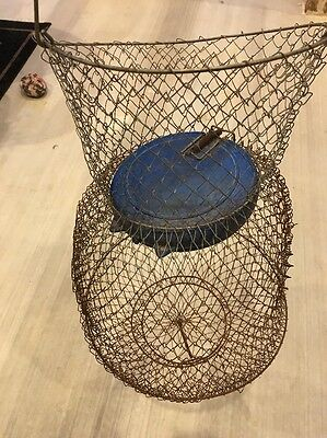 Vtg Collapsible Metal Mesh Fish Basket w/ Floating Lid 30""