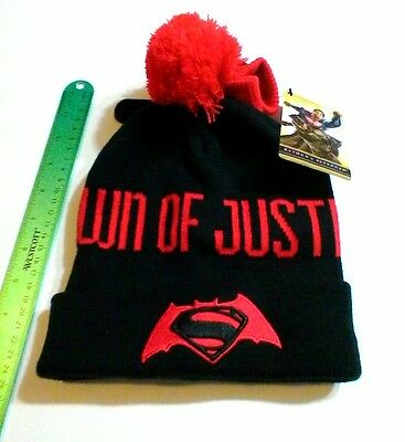 DAWN OF JUSTICE WINTER GEAR SET Gloves AND Pom-Pom Hat SUPERMAN Batman DC COMICS