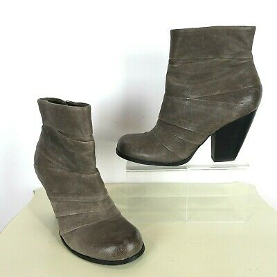 163330e3a28 VINCE CAMUTO SIZE US 9B EU 39 Belta Bootie Ankle Boot Leather Taupe Stacked  Heel