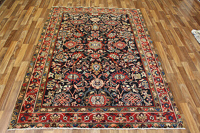 An outstanding Persian Hamedan rug with superb colour 220 X 160 CM