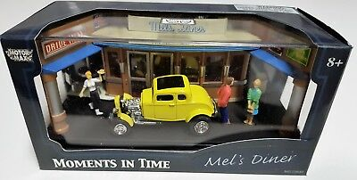 Motormax Mel's Diner 1932 Ford Coupé  Moments in Time Diorama No 73640