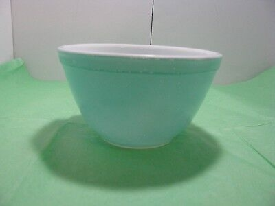 Vintage PYREX 401 ROBINS EGG Turquoise Mixing Nesting Bowl