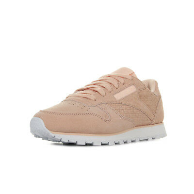 d8fe09dc2e989 Chaussures Baskets Reebok femme Classic Leather Woven Emb taille Rose Cuir