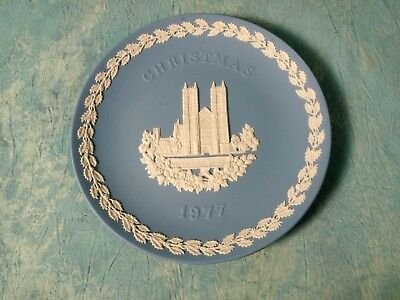 1977  Wedgwood JASPERWARE CHRISTMAS COLLECTOR PLATE Westminster Abbey