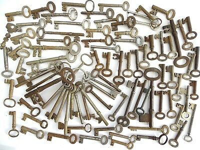 Large Collection Of Antique & Vintage Good Sized Keys