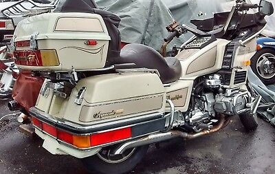 1986 Honda Gold Wing  1986 HONDA GOLD WING GL1200 START UP AND RUNS -- NEEDS SOME WORK PROJECT BIKE