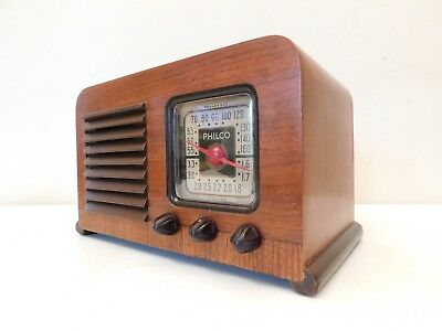 VINTAGE 40s PHILCO ANTIQUE NEAR MINT OLD ART DECO WORKING RESTORED CHASSIS RADIO