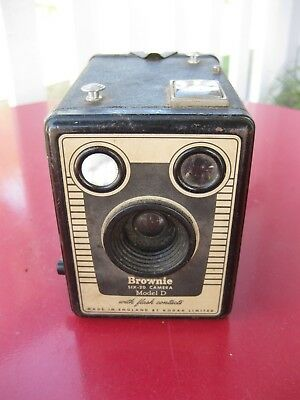 Brownie Six-20 Camera Model D with Flash Contacts - Kodak, Made in England