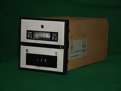 Thermostat / Temperature controller. Control And Readout Ltd, - Pentronic 402