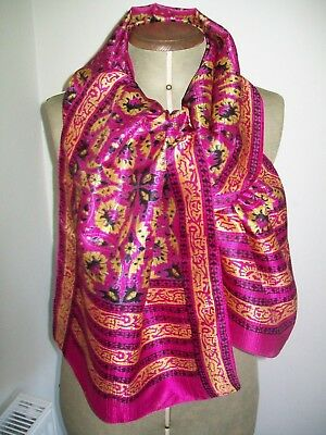 A Very Pretty & Vibrant Indian Graphic Print Design Vintage Silk Scarf