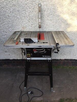 wickes 1500W table saw with stand, 230V Mains power.