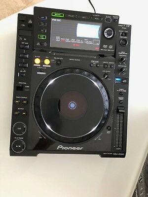 Pioneer CDJ-2000 Barely used. Excellent condition! NO RESERVE!