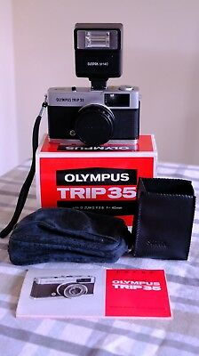 Olympus Trip 35 vintage film camera in original box flash excellent condition