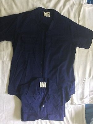 2 x MENS YAKKA NAVY WORK SHIRTS  SIZE M TO FIT NECK 38/39 CM  Like New