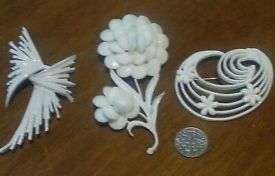 Lot of Vintage Jewelry White Metal Brooches TRIFARI MONET  Pins & More Estate