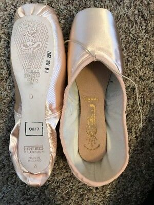 FREED Classic Pro Pointe Shoes 5 1/2 No X, D Maker