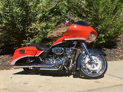 2009 Harley-Davidson Touring  Harley Davidson Screaming Eagle CVO