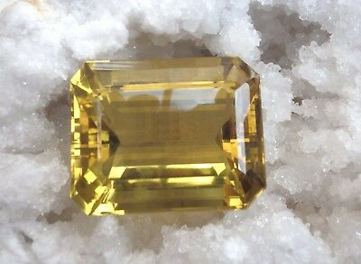 MUSEALE CITRINE 1056 CTS / 100 % NATURELLE / BRESIL /  VIDEO / certificat