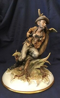 """Capodimonte 'Poacher' Hand Sculptor Tiche Tosca. Hand Painted. Made in Italy 10"""""""