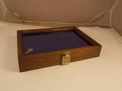 Bluegrass Case Company Collectors Locking Wooden Display Case With Key