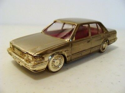 Vntage Toyota Crown Royal Saloon Diecast Toy Car Cigarette Holder Desk Accessory