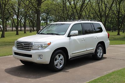 Toyota Land Cruiser Perfect Carfax   New Tires! Perfect Carfax Great Service History New Tires Rear Seat Entertainment