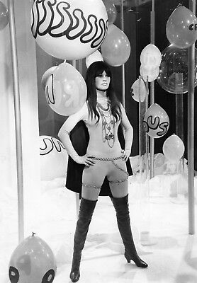 Numero 2 /superbe rare Brigitte Bardot show 1968 photo originale 21 x 27 cm