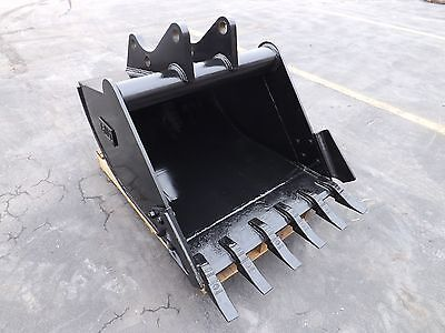 """New 36"""" Ford LB75 Backhoe Bucket with Coupler Pins"""