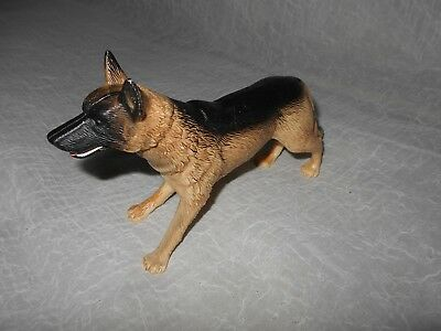 TOY PLAY German Shepard Dog Figure WITH MOVING MOUTH  JAW AND TEETH!
