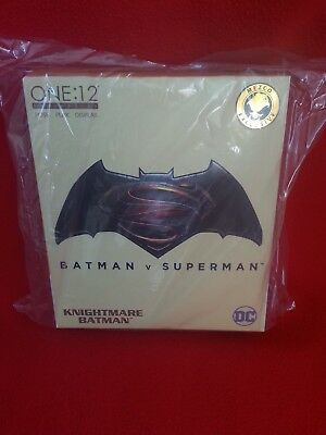 Mezco One:12 - Exclusive  - Batman v Superman - Knightmare Batman